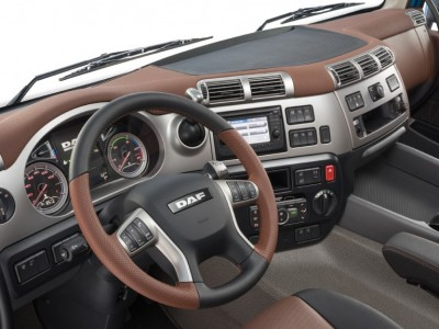 30-2017-New-DAF-CF-Exclusive-Line-Interior-1024x575