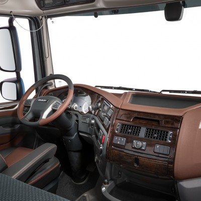 23-2017-New-DAF-XF-Exclusive-Line-Interior